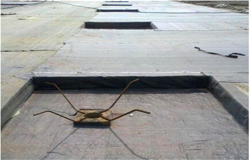 人工湖納基覆膜膨潤土防水毯專門用于各種水利工程施秉