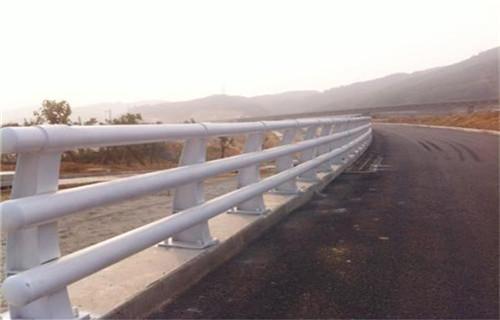 甘南护栏订做公园河道栏杆如何计算一米价格