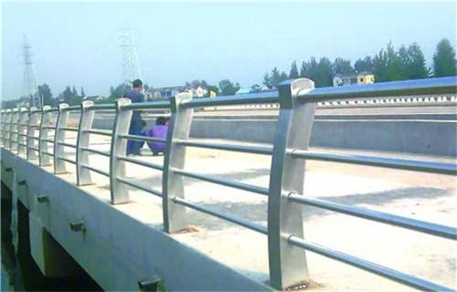 海南橋梁景觀護欄價格計算