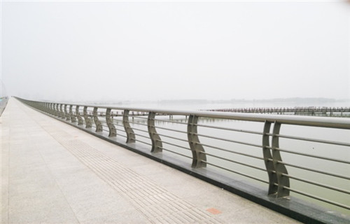 怀化景观栏杆小区河道栏杆不锈钢栏杆护栏厂家