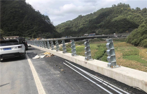 銀川橋梁欄桿廠家多少錢一米