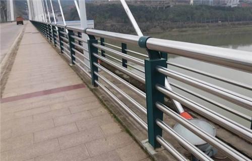 白銀人行道隔離欄桿生產廠家護欄批發基地