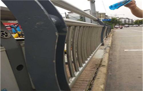 黄南防撞护栏、如何计算