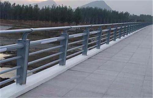 朔州防撞护栏价格如何计算绿化施工