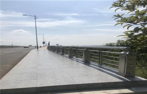 安康人行道馬路欄桿護欄批發基地