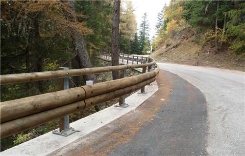 果洛仿木护栏大量供应