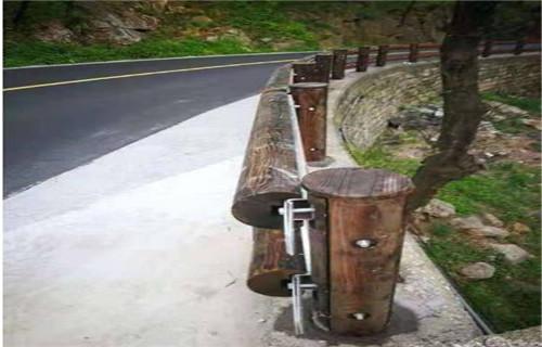 臨夏景區鋼背木廠家不銹鋼復合管護欄欄桿制定廠家
