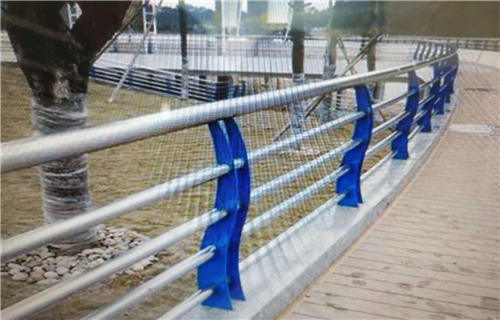 海西不銹鋼碳素鋼復合管橋梁欄桿精美護欄橋梁護欄多少錢