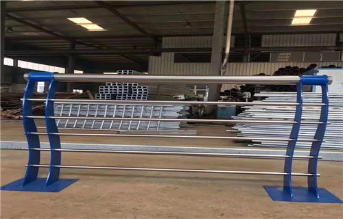 大連不銹鋼碳素鋼復合管橋梁欄桿價格合理不銹鋼復合管