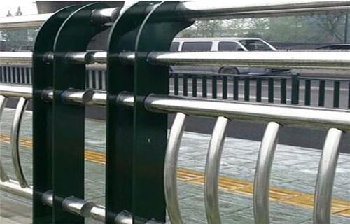 兰州304不锈钢碳素钢合复管桥梁护栏精美护栏桥梁护栏田经理