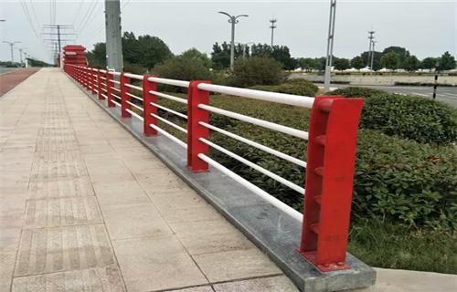 漯河不銹鋼碳素鋼復合管橋梁護欄來圖來樣定制不銹鋼復合管