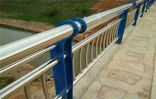 东莞304不锈钢碳素钢合复管桥梁护栏多年生产经营桥梁护栏田经理