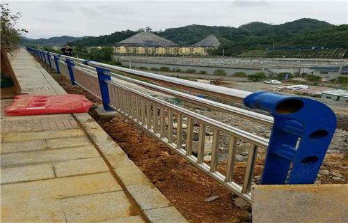 臨夏不銹鋼碳素鋼合復管多年生產經營不銹鋼復合管