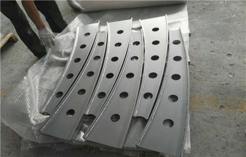 衡阳Q235防撞桥梁钢板立柱精美护栏不锈钢复合管