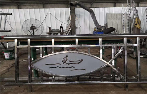 临沂不锈钢碳素钢符合管桥梁护栏加工定做安装服务桥梁护栏田经理