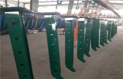 江门不锈钢碳素钢复合管桥梁钢板立柱价格合理不锈钢复合管