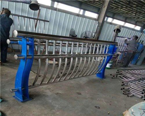 海西304不锈钢复合管耐腐蚀