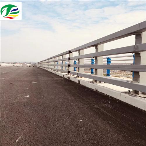 仁怀不锈钢复合管桥梁栏杆立柱价格优惠