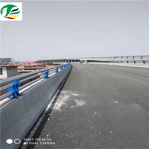 乌鲁木齐河道不锈钢复合管栏杆设计制作