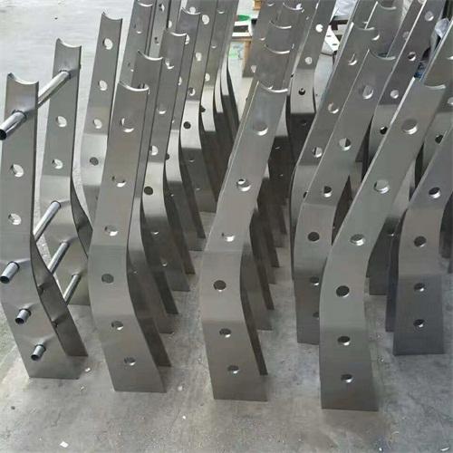 銅陵碳素鋼防撞燈箱立柱多少錢一米