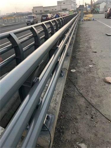 內蒙古碳素鋼防撞護欄報價