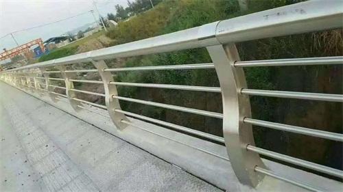 黑龍江不銹鋼碳素鋼護欄立柱哪家好
