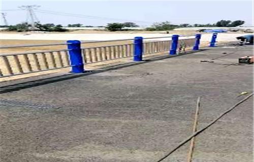海西不锈钢双金属复合管高铁护栏价格公道