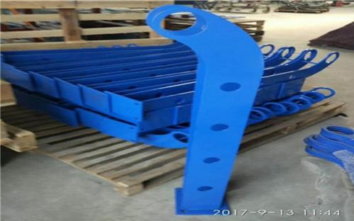 張掖不銹鋼碳素鋼復合管河道護欄選擇我們值