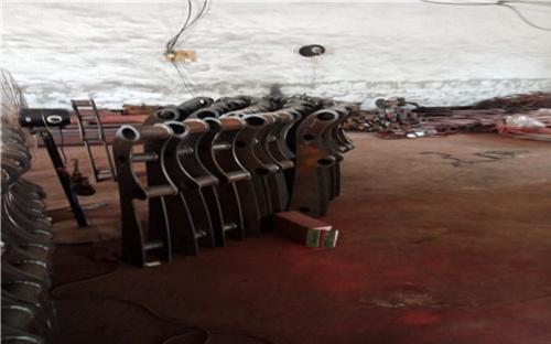 大連雙金屬復合管護欄專業廠家定制