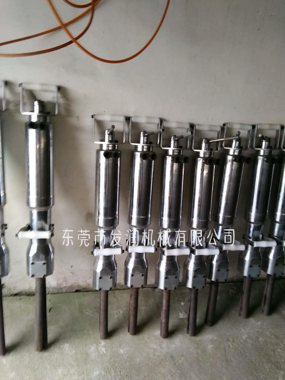 推薦:營口巖石液壓劈裂機配件劈塊斜器一套多少錢